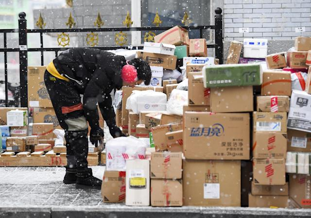 A quarter of Brits had items for Christmas arrive late last year. Photo: Sipa Asia/SIPA USA/PA Images