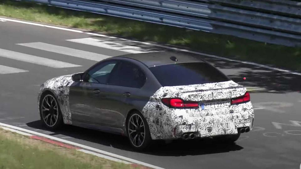 BMW M5 CS Spy Video