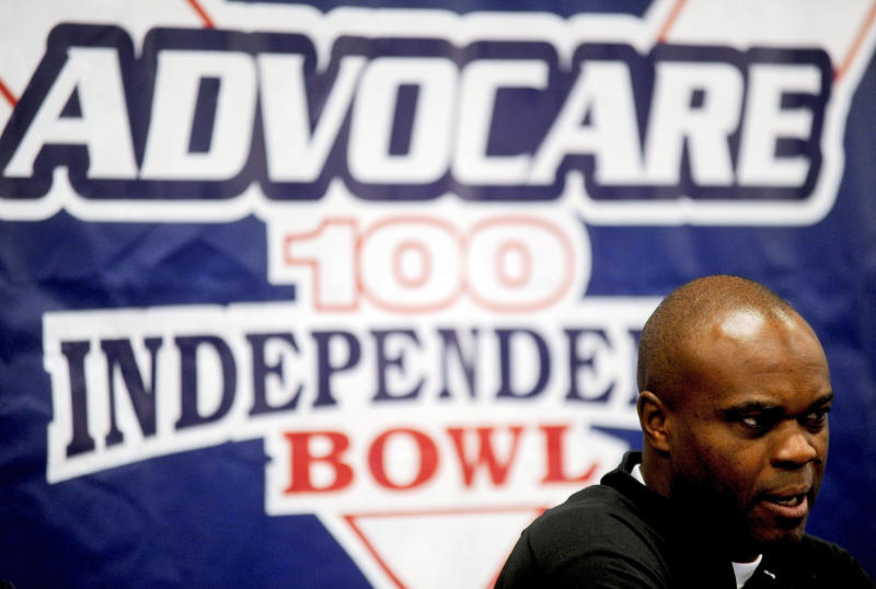 North Carolina coach Everett Withers speaks during an NCAA college football news conference for the Independence Bowl at Independence Stadium in Shreveport, La., on Saturday, Dec. 24, 2011. (AP Photo/The Shreveport Times, Val Horvath Davidson) NO SALES  MAGS OUT, MANDATORY CREDIT: SHREVEPORTTIMES.COM