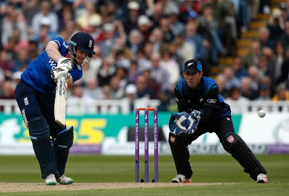England's Eoin Morgan bats during their first ODI match against New Zealand, at Edgbaston cricket ground in Birmingham, central England, on June 9, 2015 (AFP Photo/Adrian Dennis)