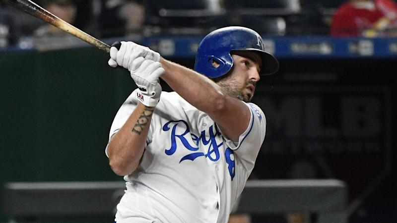 Yankees Interested In Mike Moustakas As First Baseman