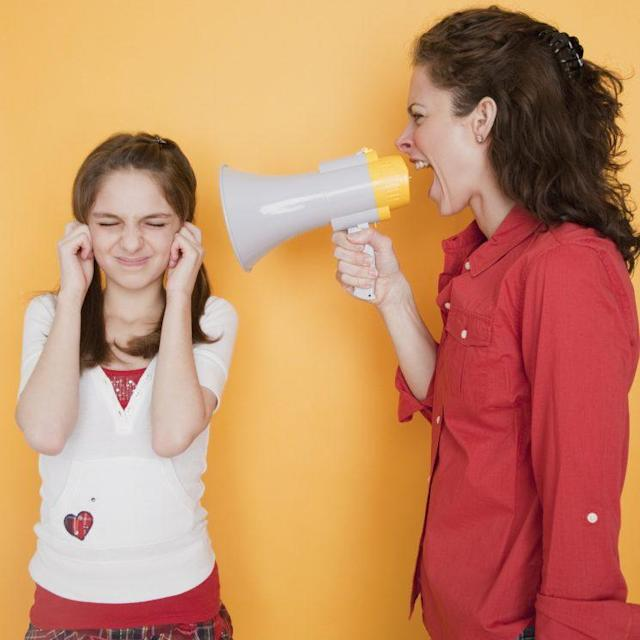 Laura Markham and other experts, as well as extensive research in the topic, point out that yelling at children is a tactic that often produces unwanted results in family life and the children themselves. (Photo: Getty Images)