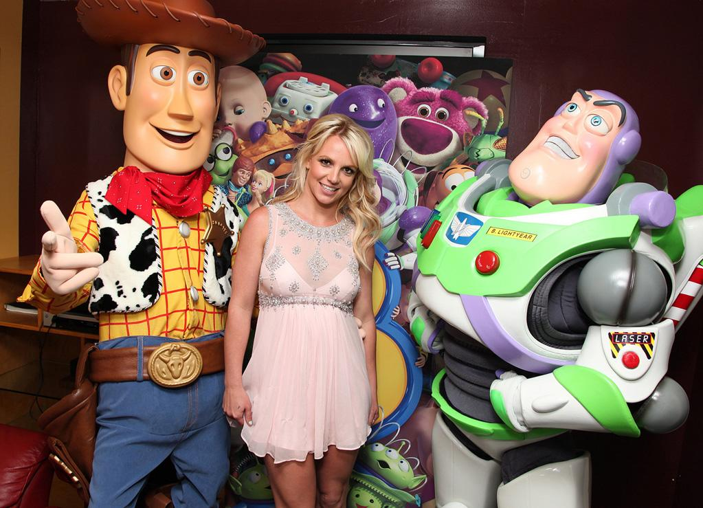 """<a href=""""http://movies.yahoo.com/movie/contributor/1800328228"""">Britney Spears</a> at the Los Angeles premiere of <a href=""""http://movies.yahoo.com/movie/1809266566/info"""">Toy Story 3</a> - 06/13/2010"""