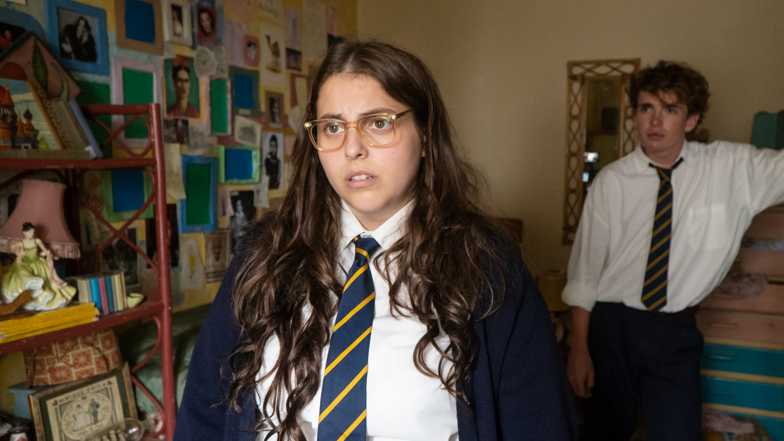Beanie Feldstein as budding writer Johanna Morrigan in 'How To Build a Girl'. (Credit: Lionsgate)