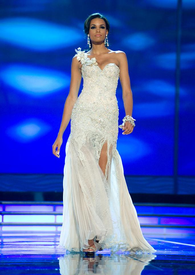 Ada Aimee De la Cruz, Miss Dominican Republic 2009, competes as a top 10 finalist in an evening gown of her choice during the 58th annual Miss Universe competition from Atlantis, Paradise Island, Bahamas.
