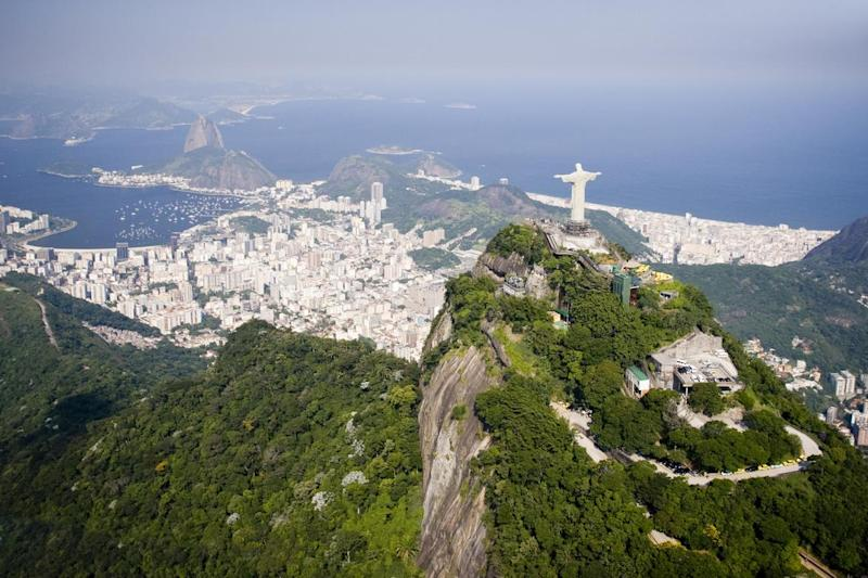 Robbers lie in wait on the trail up to Christ the Redeemer (Getty Images/iStockphoto)