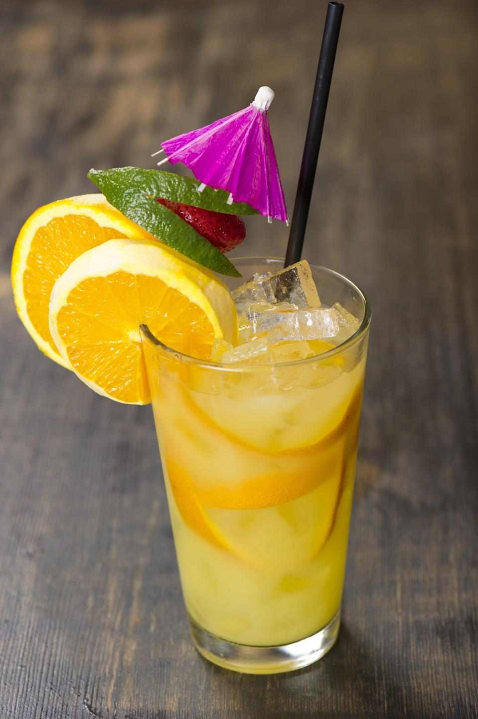 """<p>A lazy weekend in South Dakota calls for a stiff screwdriver, wouldn't you agree? Just mix together vodka and orange juice to get your morning off to a great start.</p> <p><strong>Get the recipe</strong>: <a href=""""https://www.popsugar.com/buy?url=https%3A%2F%2Famandascookin.com%2Fscrewdriver-drink-recipe%2F&p_name=screwdriver&retailer=amandascookin.com&evar1=yum%3Aus&evar9=47471653&evar98=https%3A%2F%2Fwww.popsugar.com%2Ffood%2Fphoto-gallery%2F47471653%2Fimage%2F47475209%2FSouth-Dakota-Screwdriver&list1=cocktails%2Cdrinks%2Calcohol%2Crecipes&prop13=api&pdata=1"""" class=""""link rapid-noclick-resp"""" rel=""""nofollow noopener"""" target=""""_blank"""" data-ylk=""""slk:screwdriver"""">screwdriver</a></p>"""