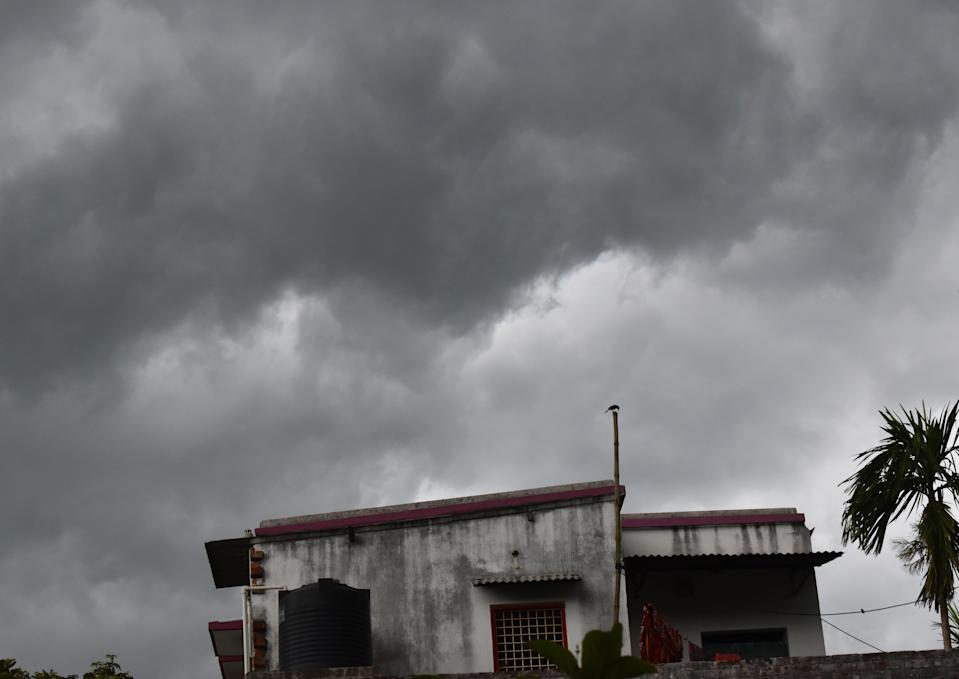 Dark clouds due to cyclone Amphan. India Meteorological Department (IMD) said cyclone Amphan will landfall in between Digha (West Bengal) and Hatiya Islands (Bangladesh) near Sundarbans, located about 520 km south of Paradip (Odisha). (Photo by Sudipta Das/Pacific Press/LightRocket via Getty Images)