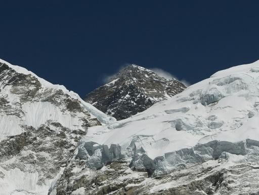 Steve Plain summited Everest in the early hours of Monday, 117 days after he reached the peak of Mount Vinson -- the highest mountain in Antarctica -- breaking the previous speed record for the seven summits by nine days