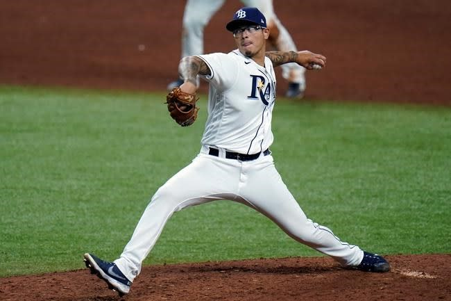Giants acquire left-handed reliever Banda from Rays for $75K