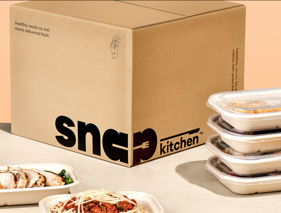 """<h2>Snap Kitchen </h2><br><strong>The slogan:</strong> """"Healthy food for busy people.<br>Consider your meal prep done.""""<br><br><strong>What you get:</strong> Dietitian-curated plans, from vegan to paleo, ready-made by expert chefs with the highest of qualities. Eat within your <a href=""""https://www.snapkitchen.com/meal-plans"""" rel=""""nofollow noopener"""" target=""""_blank"""" data-ylk=""""slk:meal plan"""" class=""""link rapid-noclick-resp"""">meal plan</a> (while adding snacks in) without filling up your kitchen sink with dirty dishes. Pick and choose your favorite dishes and decide how many you want per week.<br><br><strong>The delivery:</strong> Most orders are shipped for free via FedEx or UPS with 1-2 days in transit. On the day of your shipment, your meals will arrive between 8:00 AM and 9:00 PM on the date of delivery.<br><br><em>Shop <strong><a href=""""https://www.snapkitchen.com/"""" rel=""""nofollow noopener"""" target=""""_blank"""" data-ylk=""""slk:Snap Kitchen"""" class=""""link rapid-noclick-resp"""">Snap Kitchen</a></strong></em>"""