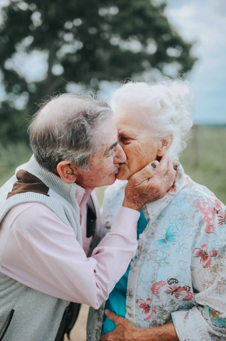 The couple are every bit as in love as when they first met (Photo: Paige Franklin Photography, Facebook/ Love What Matters)