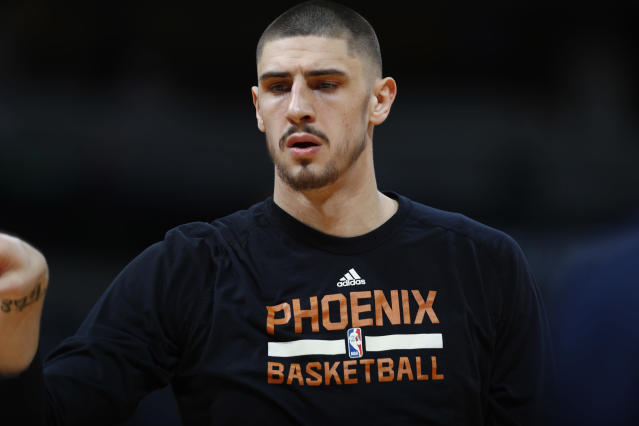 "<a class=""link rapid-noclick-resp"" href=""/nba/teams/pho/"" data-ylk=""slk:Phoenix Suns"">Phoenix Suns</a> center <a class=""link rapid-noclick-resp"" href=""/nba/players/5156/"" data-ylk=""slk:Alex Len"">Alex Len</a> will become an unrestricted free agent in 2018. (AP)"