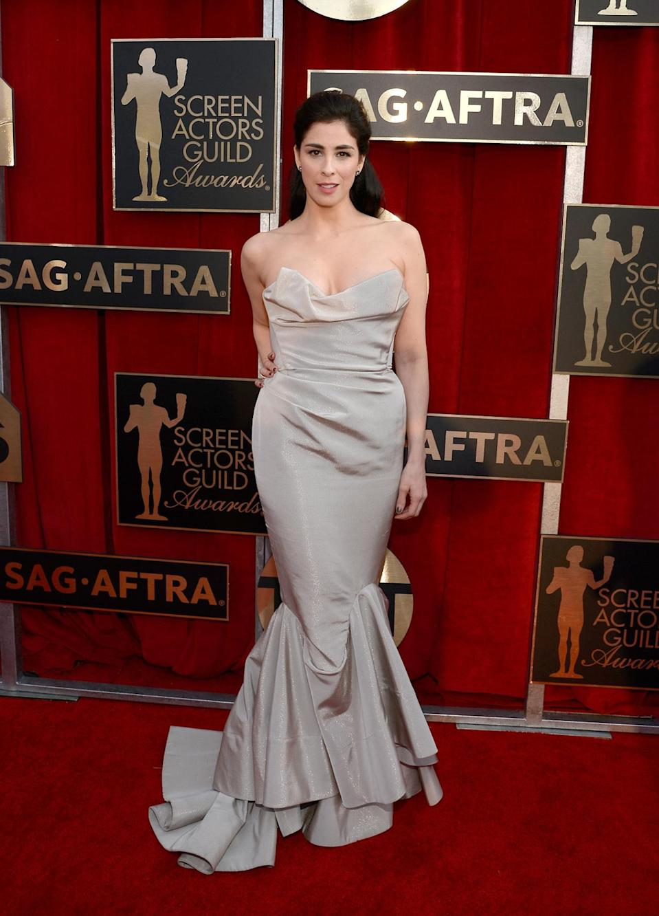 <p>Wearing the same designer behind Carrie Bradshaw's epic wedding dress in the <i>Sex and the City </i>movie, Sarah Silverman definitely made Vivienne Westwood proud. <i>Photo: Getty Images </i></p>