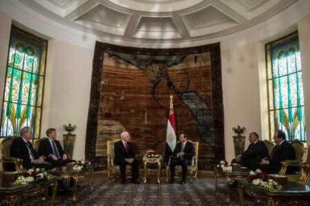 Egyptian President Abdel Fattah al-Sisi meets with with U.S. Vice President Mike Pence at the Presidential Palace in Cairo, Egypt January 20, 2018. REUTERS/ Khaled Desouki/Pool