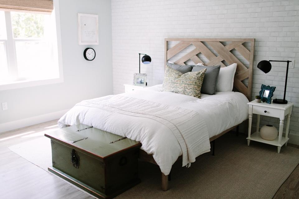 The bedroom has beaten the kitchen to become this year's most searched topic on Houzz. And while an accent wall behind the bed has been the trend for some years now, a daisy-white exposed brick effect, in the way of bare bricks or wallpaper in particular, is fast gaining traction. Photo credit: HOUZZ
