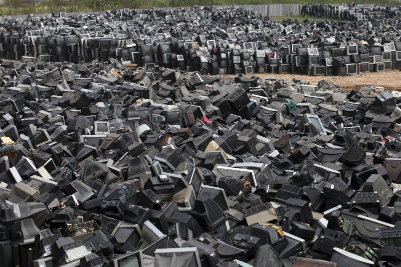 China recycling cleanup jolts global industry