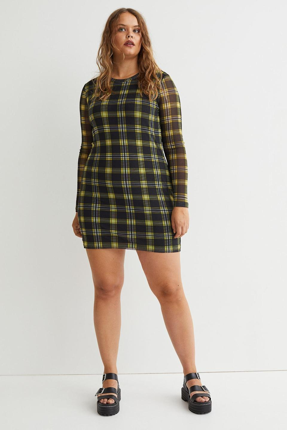 <p>This <span>H&amp;M+ Long-sleeved Dress</span> ($25) looks playful, edgy and cool. We love the subtle pop of color and the modern fitted silhouette.</p>