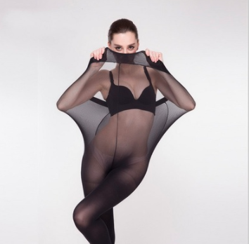 A website is advertising plus size tights using straight-size models who pose in various positions to demonstrate stretchiness. Photo: Wish.com