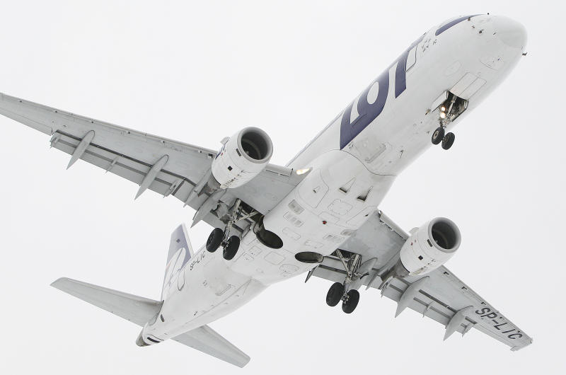 Poland's LOT airline working on rescue plan