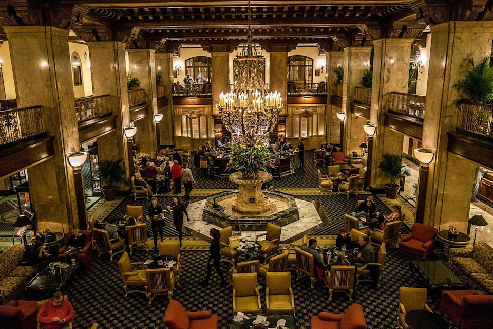 "<p>Though it was built in 1869 and hosted guests including Andrew Johnson and William McKinley, this elegant Memphis hotel became a true cornerstone of the downtown area after a grand reopening ceremony in 1981. Today it's most famous for its feathered residents, the ""Peabody Ducks,"" who live on the rooftop and make daily treks to the lobby to swim in the hotel fountain — a tradition since the 30s.<br></p><p><strong>EXPLORE NOW:</strong> <a href=""https://www.tripadvisor.com/Attraction_Review-g55197-d143800-Reviews-Peabody_Hotel-Memphis_Tennessee.html"" rel=""nofollow noopener"" target=""_blank"" data-ylk=""slk:The Peabody Hotel"" class=""link rapid-noclick-resp"">The Peabody Hotel</a></p><p><em>Image via <a href=""https://www.flickr.com/photos/96228372@N06/15738148526/"" rel=""nofollow noopener"" target=""_blank"" data-ylk=""slk:HEATH CAJANDIG"" class=""link rapid-noclick-resp"">HEATH CAJANDIG</a>/Flickr</em></p>"