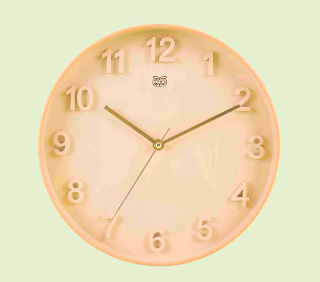 "<a href=""https://fave.co/2IHHtoO"" rel=""nofollow noopener"" target=""_blank"" data-ylk=""slk:BUY HERE"" class=""link rapid-noclick-resp"">BUY HERE</a> Neutral coloured beige wall clock, from Chumbak for Rs. 1,495"