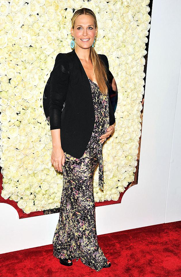 "BEVERLY HILLS, CA - FEBRUARY 23:  Molly Sims attends the QVC's""Buzz On The Red Carpet"" Cocktail Party at Four Seasons Hotel Los Angeles at Beverly Hills on February 23, 2012 in Beverly Hills, California.  (Photo by George Pimentel/WireImage)"