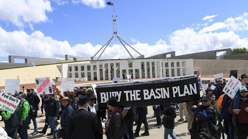 Protesters wanting the Murray-Darling Basin Plan scrapped have gathered at Parliament House