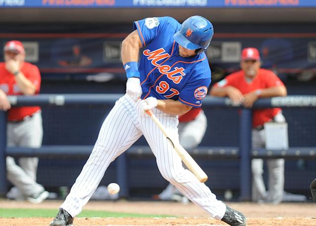 Tim Tebow in his spring training debut with the Mets. (AP)