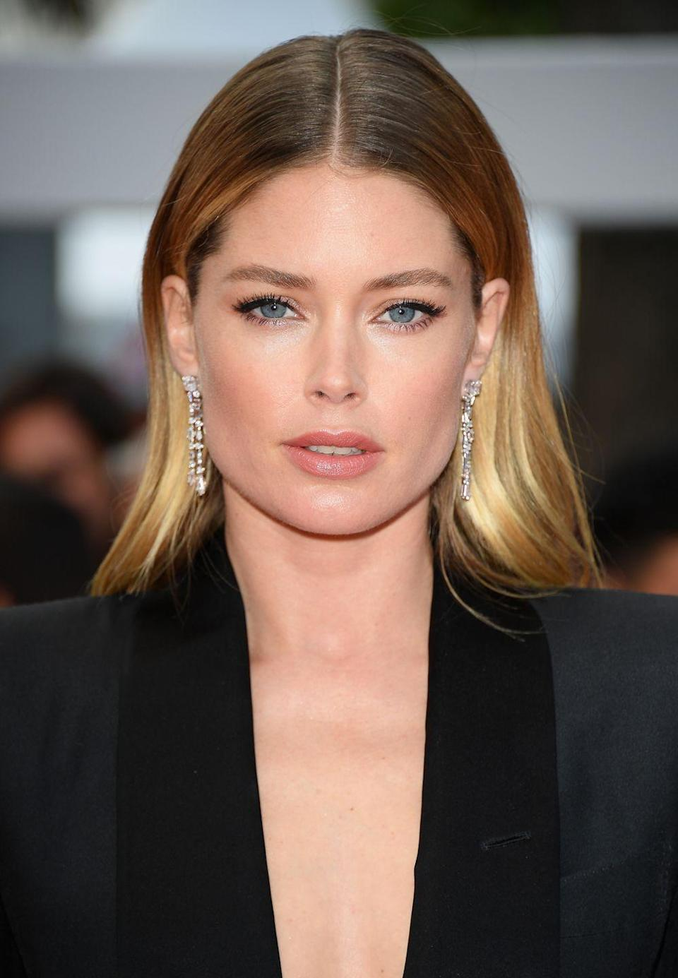 "<p><strong>Correction pronunciation: </strong>Doubt-sen Crows</p><p><strong>Tip: </strong>Your first instinct might be to pronounce Doutzen with ""do"" at the beginning, but you should start with ""doubt"" and remember that the ""z"" is silent.</p>"
