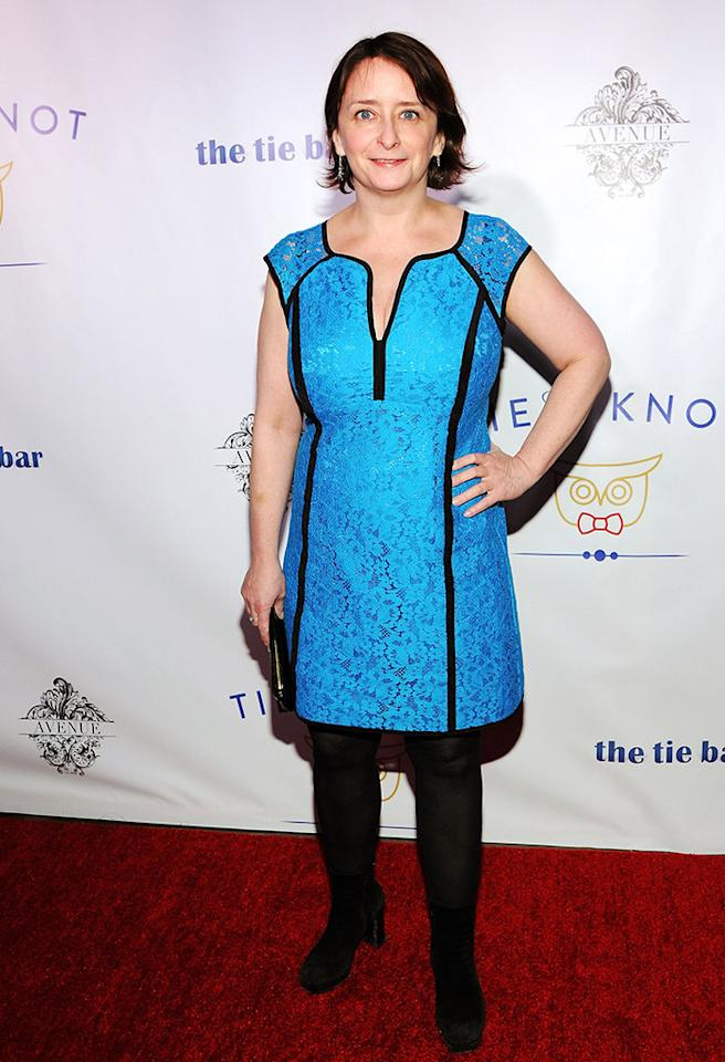 Hey, at least this patterned potato sack brings out the blue in Rachel Dratch's eyes. (2/27/2013)