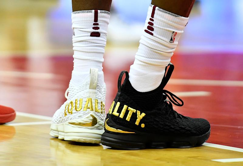 LeBron sends clear message to President Donald Trump with shoe choice 72d87c0a41e4
