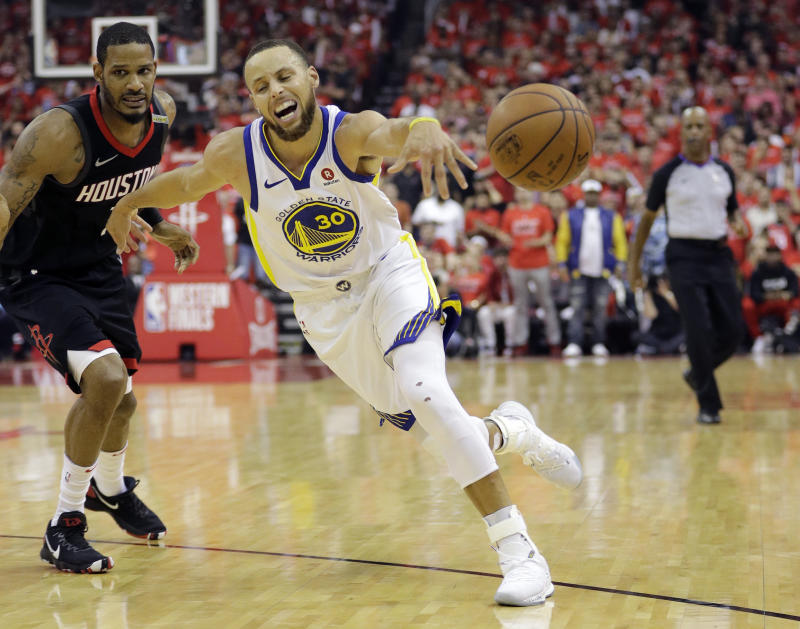 Trevor Ariza totally made Stephen Curry do that. With his *mind.* (AP)