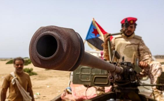 A fighter loyal to Yemen's southern separatists on the frontline during clashes with pro-government forces for control of Zinjibar (AFP via Getty Images)