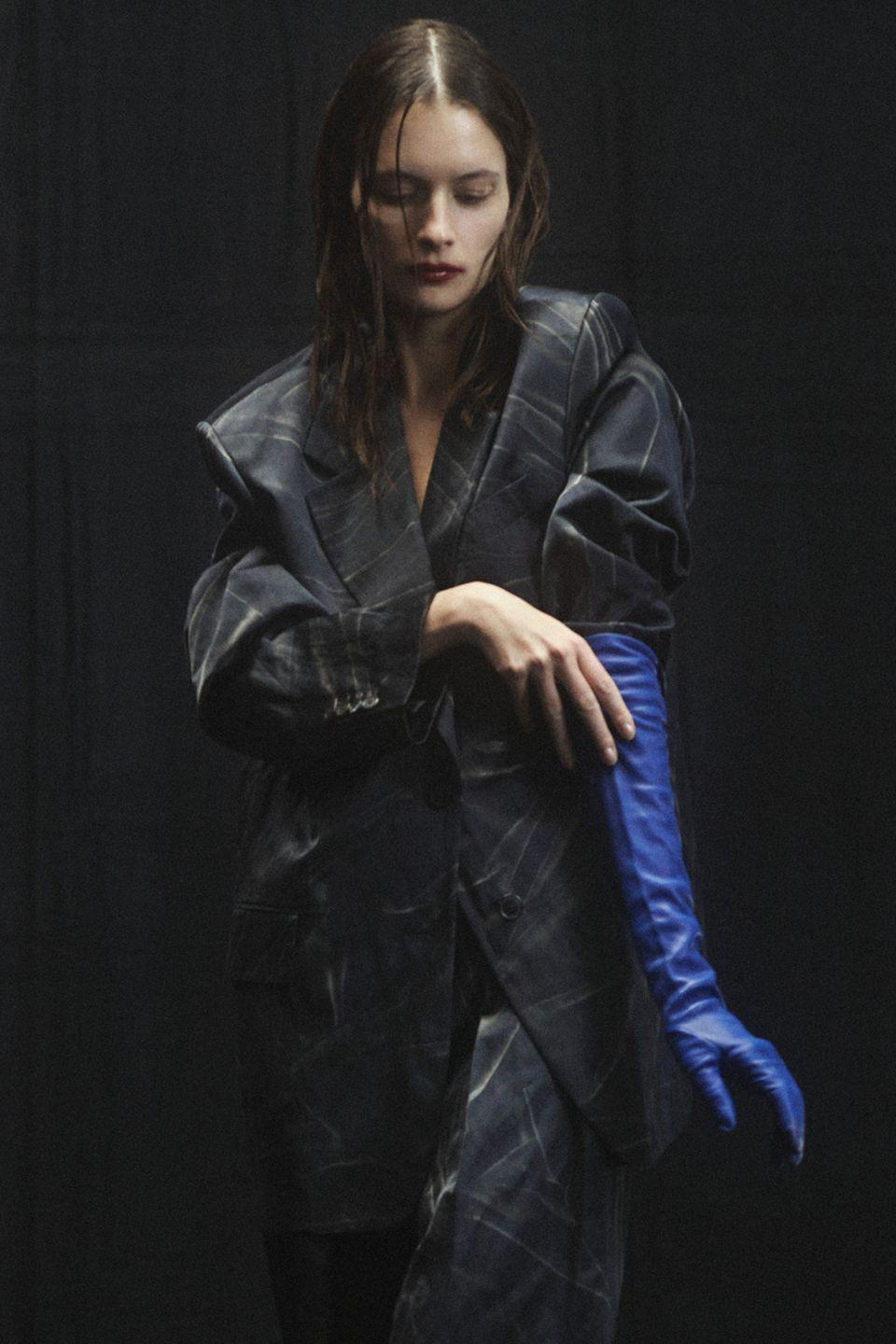 <p>Add a pop of color in an artistic stroke with a rolled up sleeve and an opera length colored glove...pairing optional.</p><p><em>Pictured: Dries van Noten</em></p>