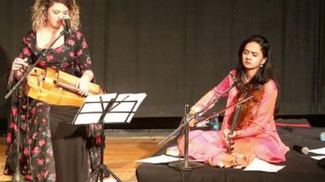 French singer Eléonore Fourniau brought the tunes of the Kurdish people to life on her hurdy gurdy, while Indian musician Nandini Shankar played classical raags on her violin.