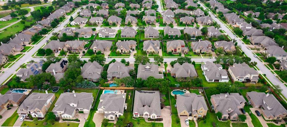 US homeowners clueless about how much a refinance can save, survey says
