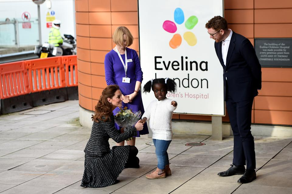 LONDON, ENGLAND - JANUARY 28: Catherine, Duchess of Cambridge arrives to visit a workshop run by the National Portrait Gallery's Hospital Programme at Evelina Children's Hospital on January 28, 2020 in London, England. HRH is Patron of Evelina London Children's Hospital and Patron of the National Portrait Gallery. (Photo by Kate Green/Anadolu Agency via Getty Images)