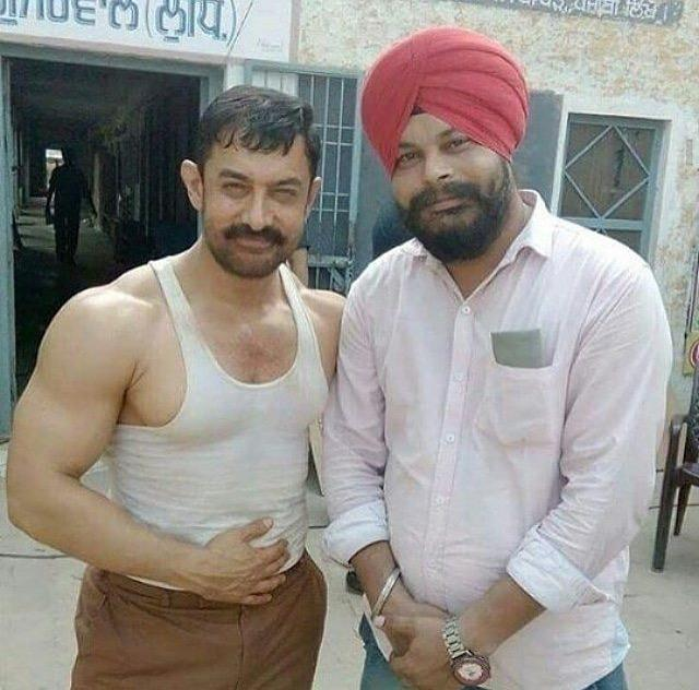 Aamir Khan Dons The Mahavir Phogat Look On The Sets Of Dangal And