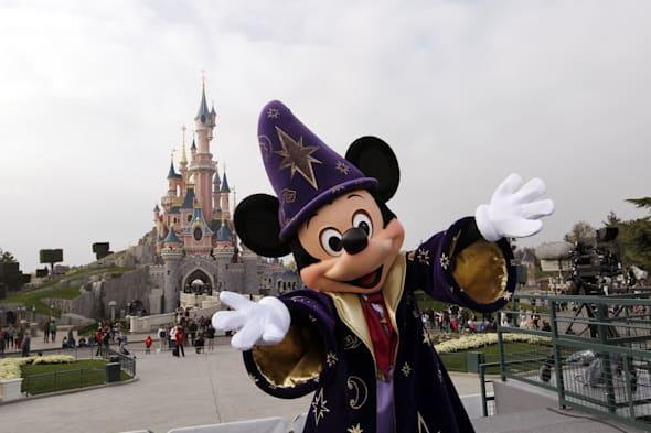Disneyland paris rescued in 1bn euro bailout