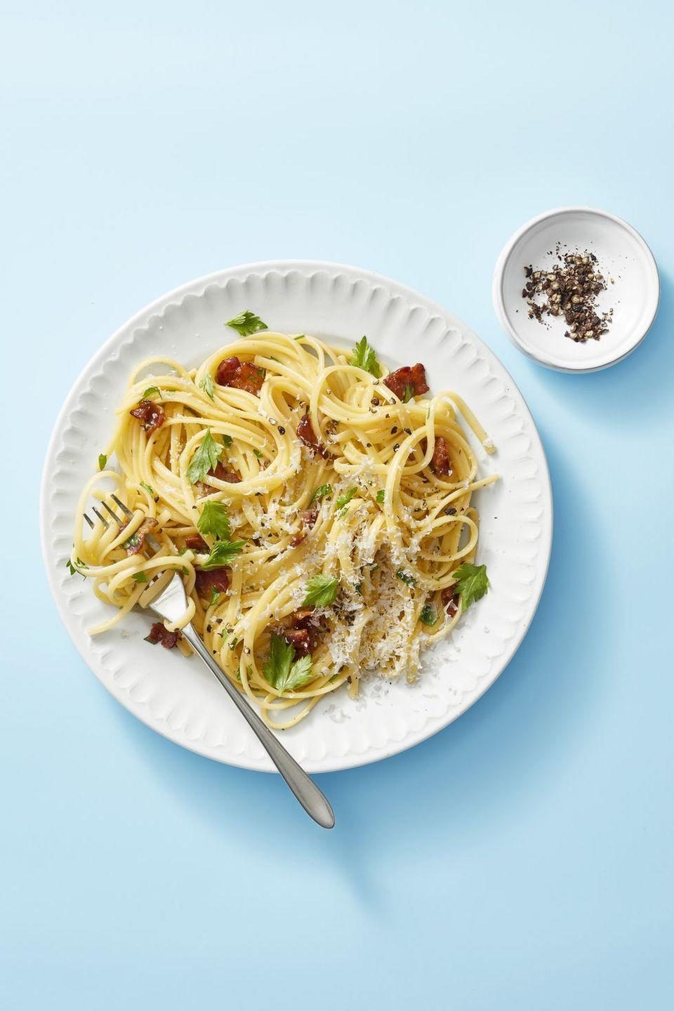 "<p>With just five ingredients and 30 minutes, you can have a hearty dinner on the table that the whole family will </p><p><em><a href=""https://www.goodhousekeeping.com/food-recipes/easy/a23694487/linguine-carbonara-recipe/"" rel=""nofollow noopener"" target=""_blank"" data-ylk=""slk:Get the recipe for Linguine Carbonara »"" class=""link rapid-noclick-resp"">Get the recipe for Linguine Carbonara »</a></em></p>"