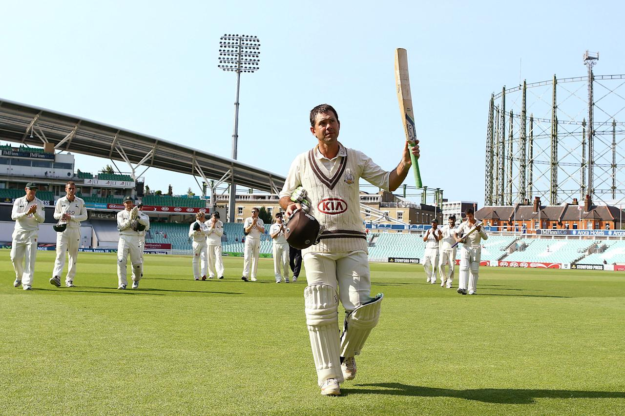 <p>Ricky Ponting of Surrey acknowledges the crowd as he leaves the field during the LV County Championship match between Surrey and Nottinghamshire at The Kia Oval on July 11, 2013 in London, England. </p>