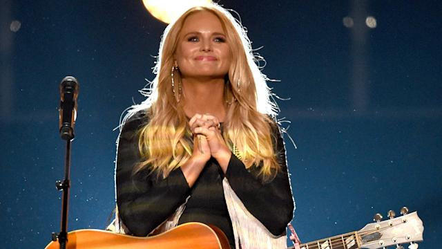 Miranda Lambert Unplugs For Stunning Tin Man Video See The Acoustic Performance That Will Give You Chills