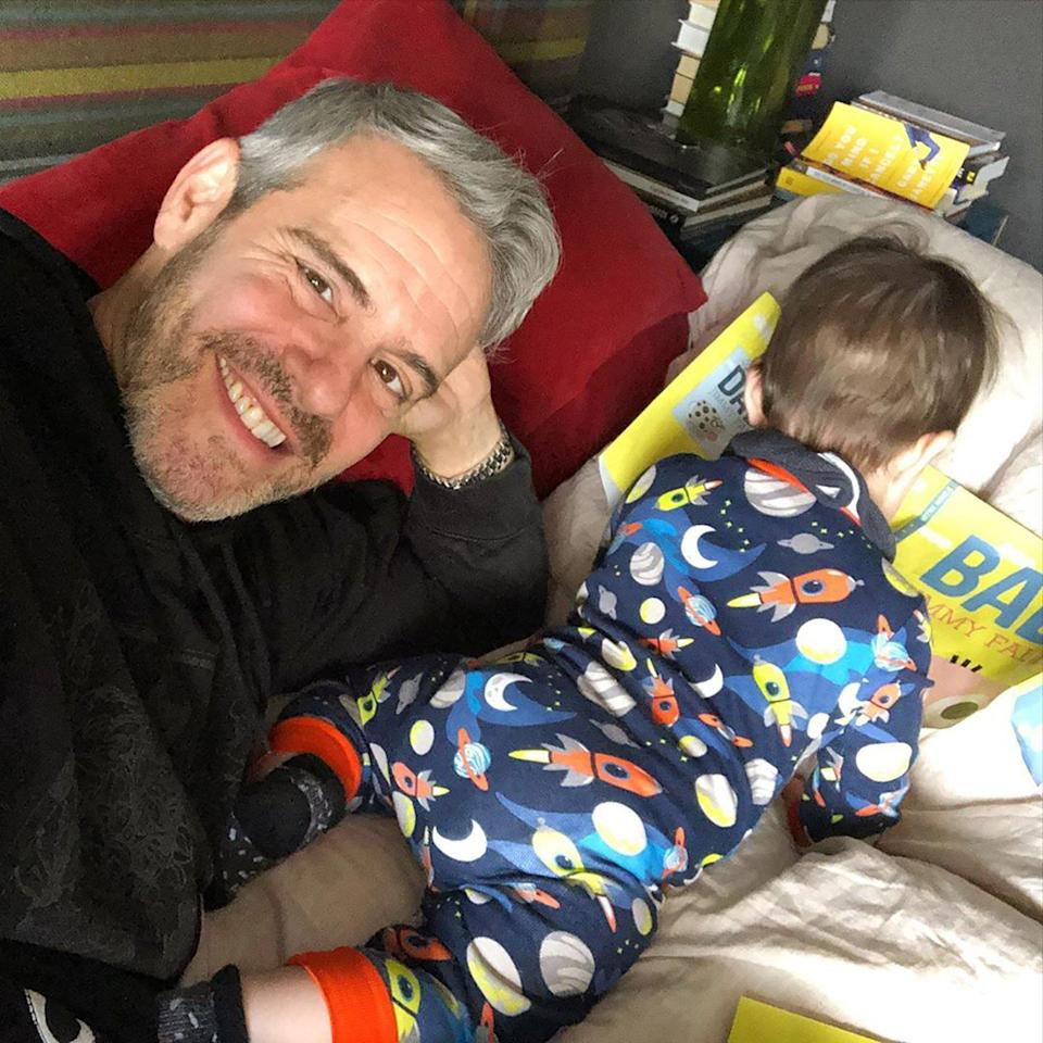 """Dad decided to sneak a quick selfie while his little <a href=""""https://www.instagram.com/p/B3k1No2BSDo/"""" rel=""""nofollow noopener"""" target=""""_blank"""" data-ylk=""""slk:bookworm"""" class=""""link rapid-noclick-resp"""">bookworm</a> was fully concentrating on his picture book."""