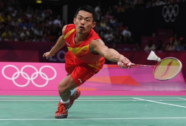 LONDON, ENGLAND - AUGUST 05:  Lin Dan of China competes in his Men's Singles Badminton Gold Medal match against Chong Wei Lee of Malaysia on Day 9 of the London 2012 Olympic Games at Wembley Arena on August 5, 2012 in London, England.  (Photo by Michael Regan/Getty Images)