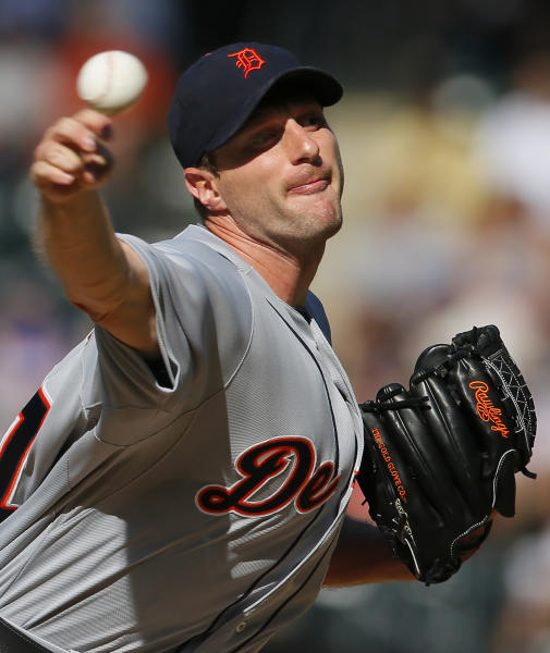 Detroit Tigers starting pitcher Max Scherzer throws in the first inning of an interleague baseball game against the New York Mets at Citi Field in New York, Saturday, Aug. 24, 2013. (AP Photo/Paul J. Bereswill)