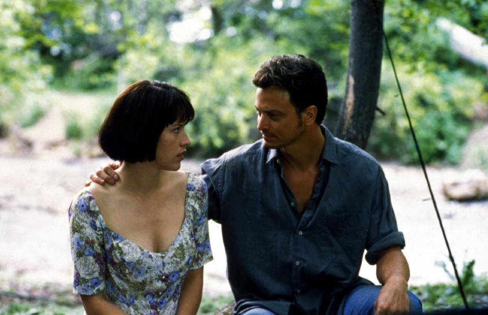 Molly Ringwald and Sinise in 'The Stand' (Photo: ABC/Courtesy: Everett Collection)