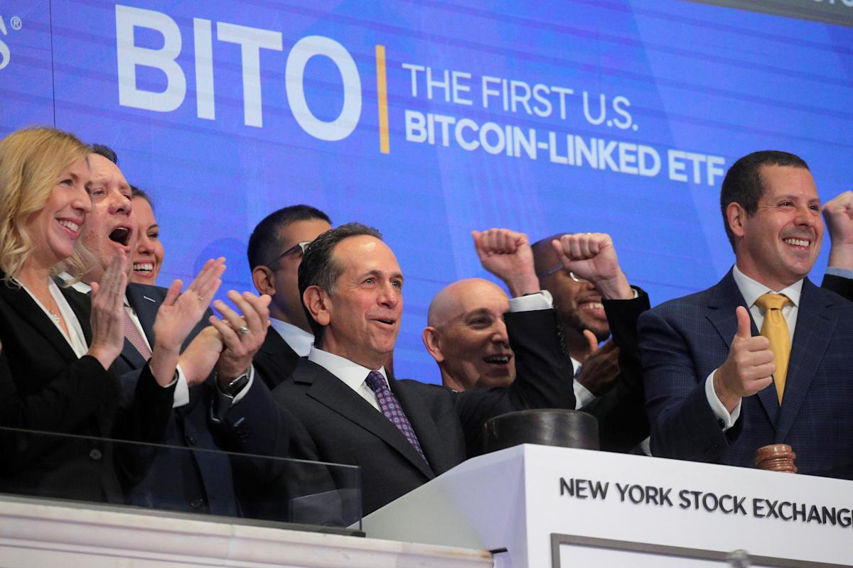 Bitcoin ETF's 'almost perfect' debut nudges spot price closer to record; Greyscale joins the fray – Yahoo Finance