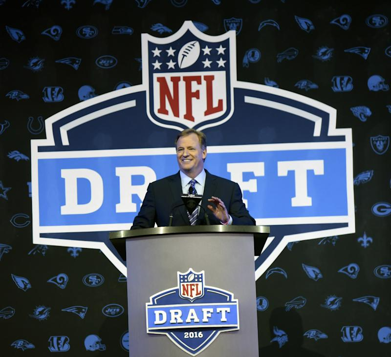 NFL commissioner Roger Goodell opens the 2016 NFL draft in Chicago. (AP)