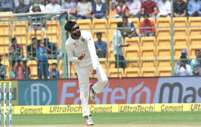 Jadeja strikes to leave Australia struggling at 83/4 at lunch